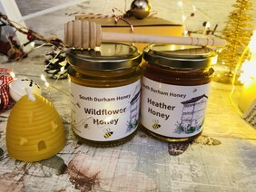 Gift Box With Two Honeys and Beeswax Candle